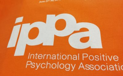 la psychologie positive en accusation : la prudence est de mise !